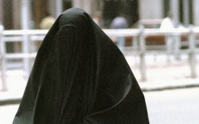 SRI LANKA - NO FACE COVERINGS WANTED!