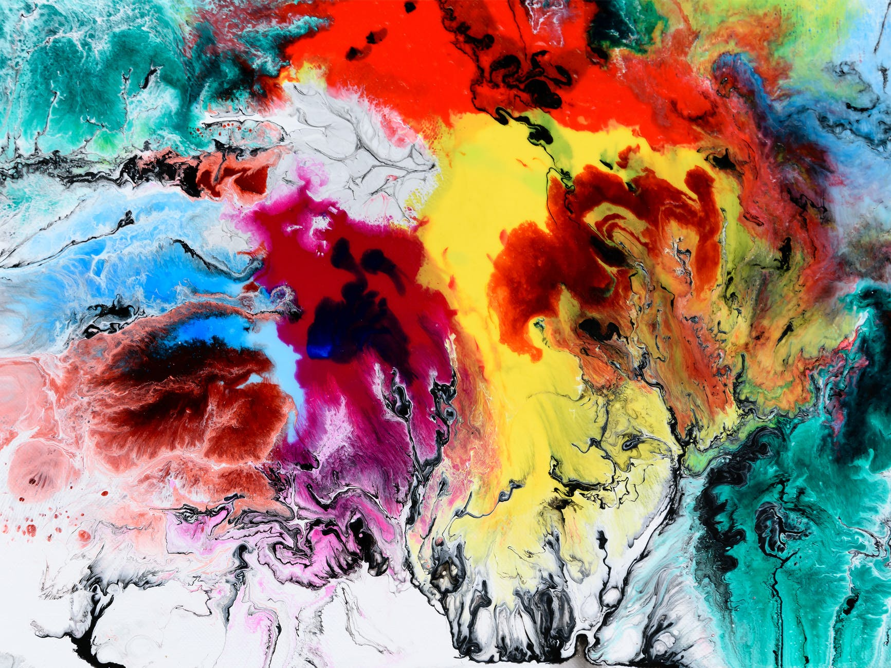 THE PSYCHOLOGY OF COLOUR: HOW BIG BRANDS PAINT THE PERFECT PICTURE